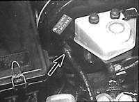 Односторонний клапан вакуумного усилителя тормозов Mercedes-Benz W124.