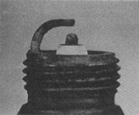 3.29 Проверка состояния и замена свечей зажигания и ВВ электропроводки.
