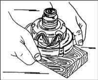 Разборка и сборка генератора, проверка состояния внутренних компонентов Citroen Xantia.