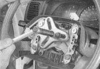Снятие и установка рулевого колеса Тойота Ланд Крузер 100.